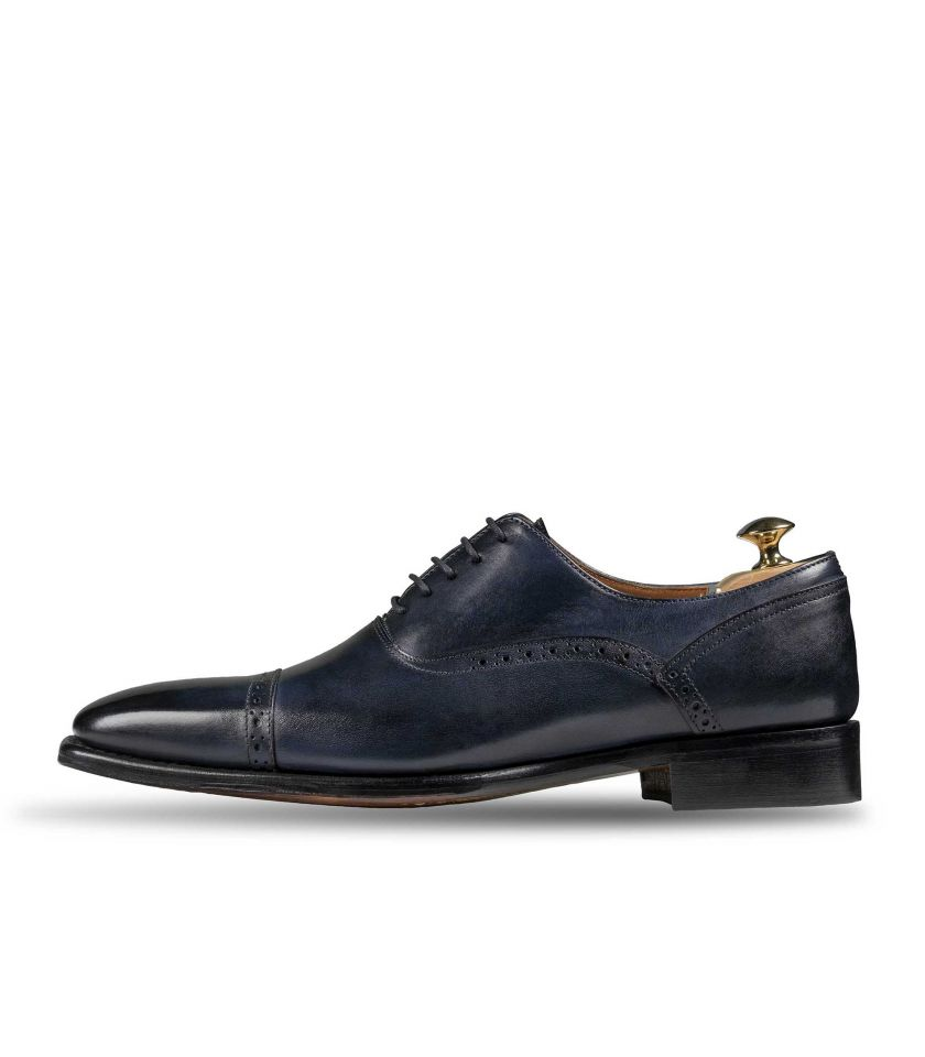 Blue Oxford with perforated stiches 386