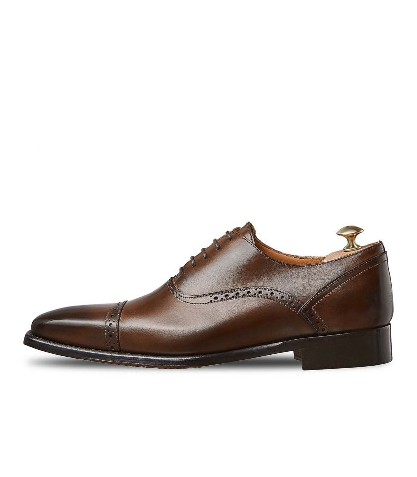 Oxford with perforated stiches Iseo 386