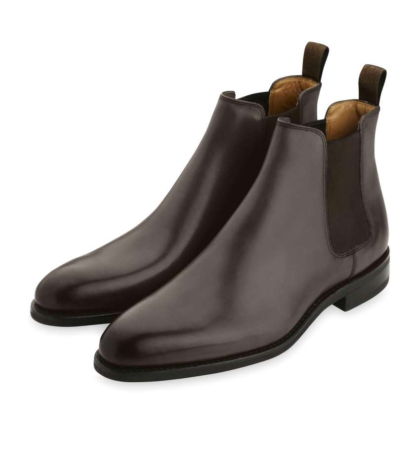 Brown Chelsea boots 373